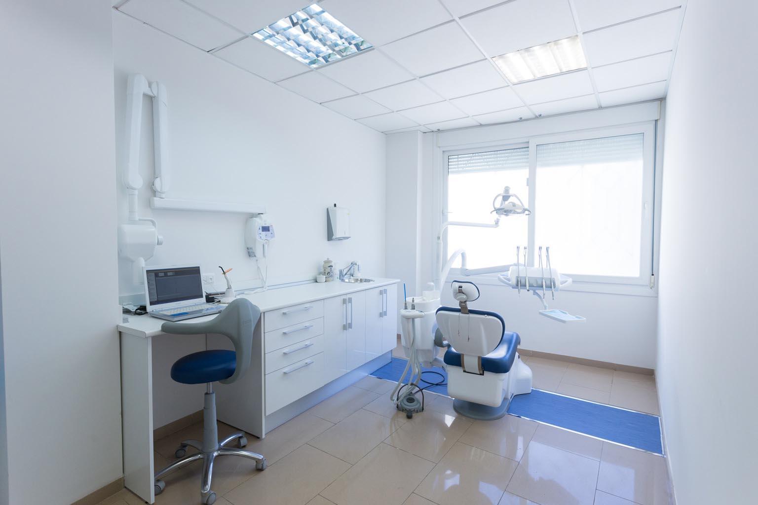 Clínica dental en Almería - Clínica Dental Palmilla